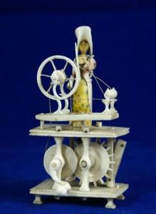 SPINNING JENNY fabriquée par les prisonniers français des pontons. Guerres napoleoniènnes . dans Napoleonic POW Spinning Jennies 1-219x300